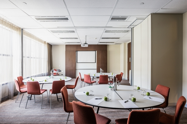 FraserSuites-MeetingRoom.jpg
